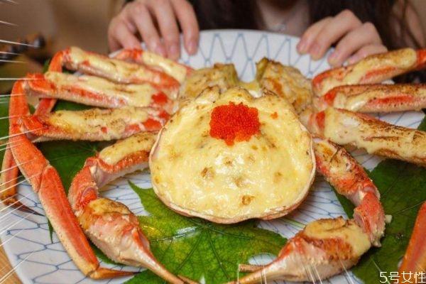 雪蟹应该怎么挑选呢 吃雪蟹有什么注意的呢