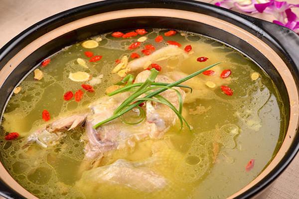 花旗参鸡汤喝了上火吗 花旗参鸡汤的作用