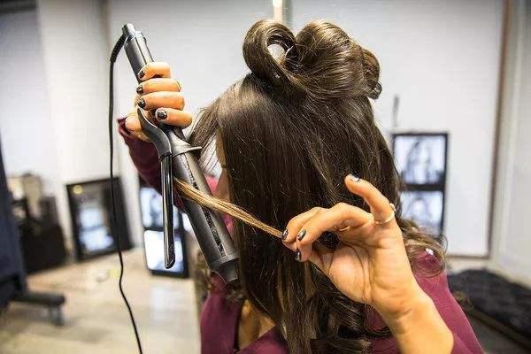 卷发棒对头发的伤害有哪些 使用卷发棒的禁忌