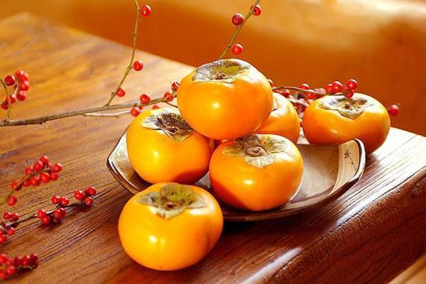 柿子怎么剥皮方便 柿子常见的吃法