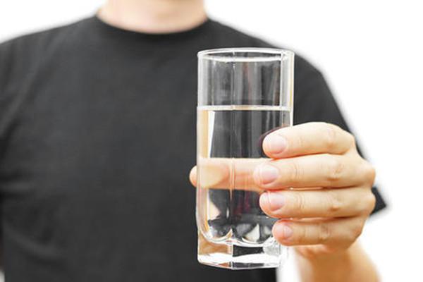 冬季总是想喝水怎么办 冬季总是想喝水的原因