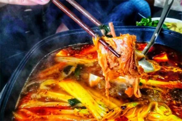 羊肉火锅可以经常吃吗 羊肉火锅吃多了会怎样