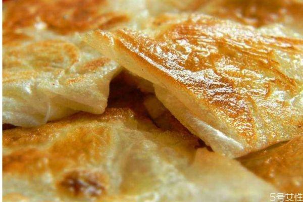 飞饼是怎么做的呢 飞饼是哪里的特产呢