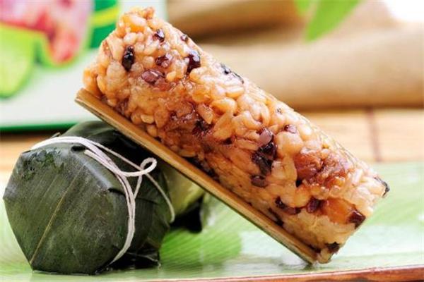 竹筒粽子是蒸还是水煮 竹筒粽子煮多长时间