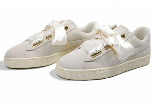 适合女生夏天穿的球鞋推荐 好看的碎花运动鞋推荐