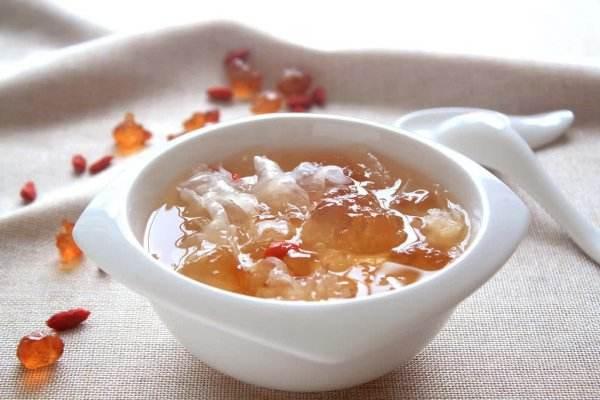 桃胶脆脆的是没熟吗 桃胶不泡可以直接煮吗