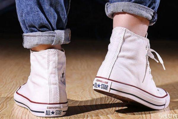 高帮鞋鞋带系法不露头 高帮鞋配什么长度袜子