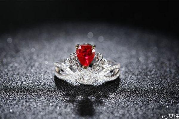 红宝石怎么看烧不烧 红宝石怎么看成色