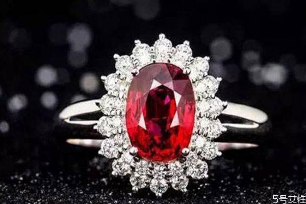 红宝石有烧还是无烧好 红宝石首饰保养