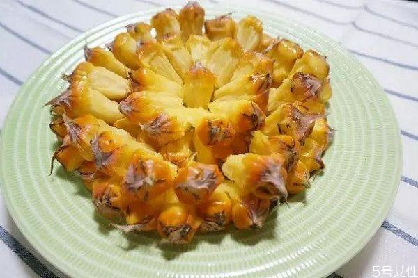 手撕菠萝怎么吃呢 什么是手撕菠萝呢