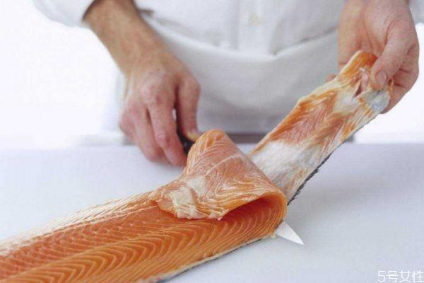 三文鱼肉如何保持新鲜 三文鱼的吃法有什么