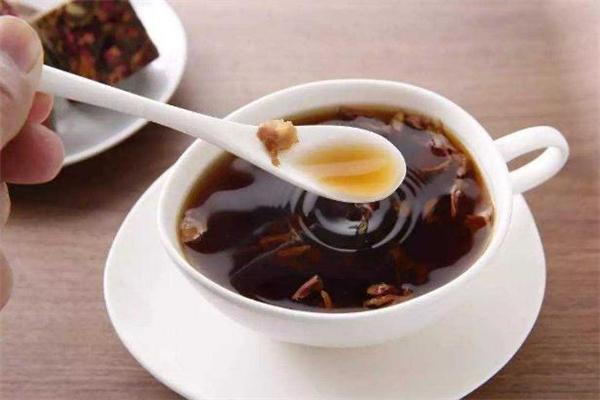 红糖姜茶喝多了会怎么样 红糖姜茶喝了会便秘吗