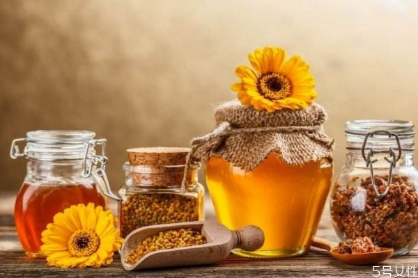 蜂蜜的营养价值有什么 女性吃蜂蜜有什么好处