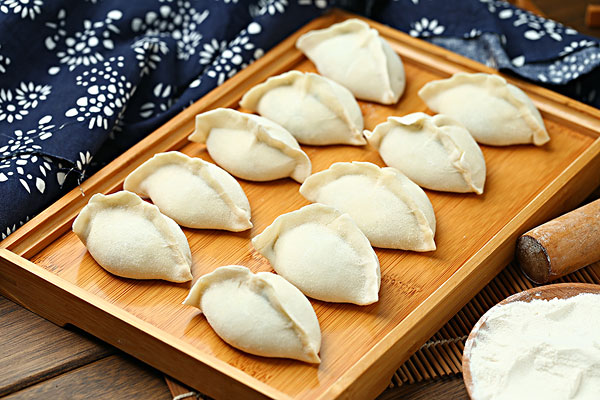 包好的饺子怎样不会粘在一起 饺子怎么保存好