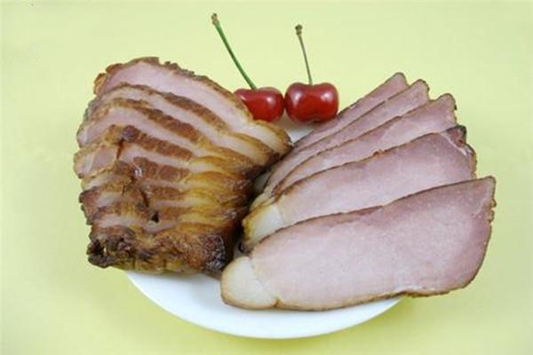 烟熏腊肉怎么洗能干净 腊肉发霉了能吃吗