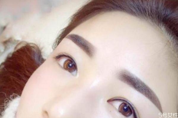 纹眉后如何护理 热水洗脸可以加速纹眉掉色吗