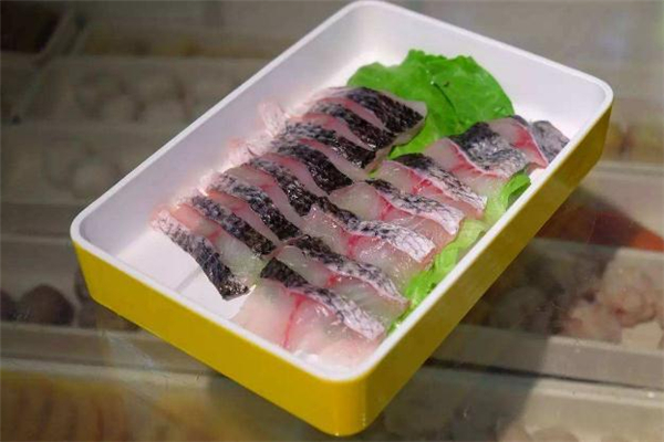 黑鱼和石斑鱼是一种鱼吗 黑鱼和石斑鱼的区别