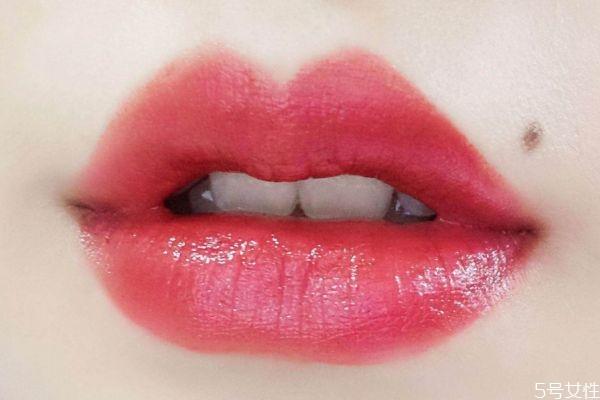 什么牌子护唇膏最滋润 擦口红前润唇膏推荐