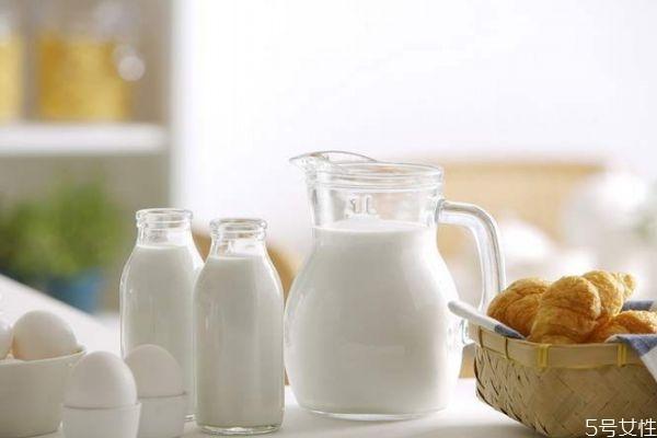 鲜牛奶的保质期多久 鲜牛奶过期可以喝吗