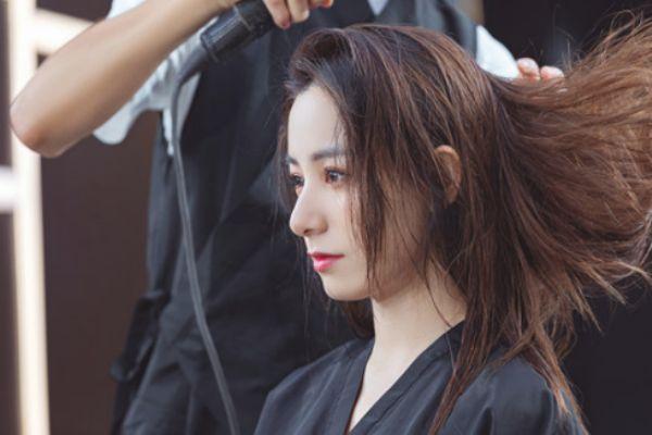 染发先染黑发还是黄发 上黑下黄的头发先染哪
