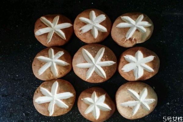 香菇为什么要切十字 香菇十字怎么切