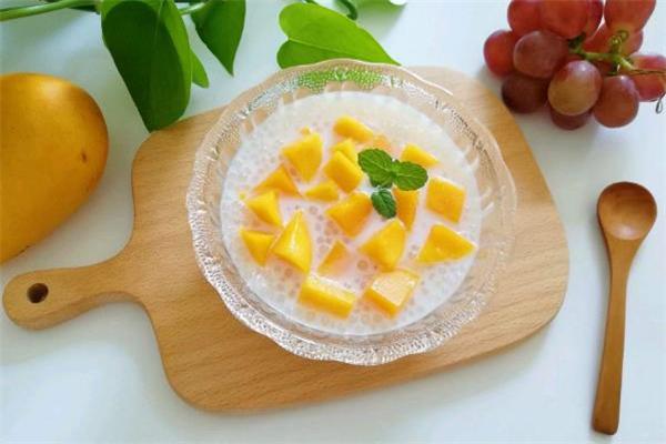 芒果西米露用什么牛奶好 芒果西米露可以用椰汁吗