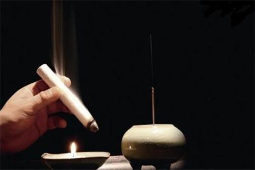 为什么艾灸涌泉穴会上火 气虚可以艾灸哪个穴位