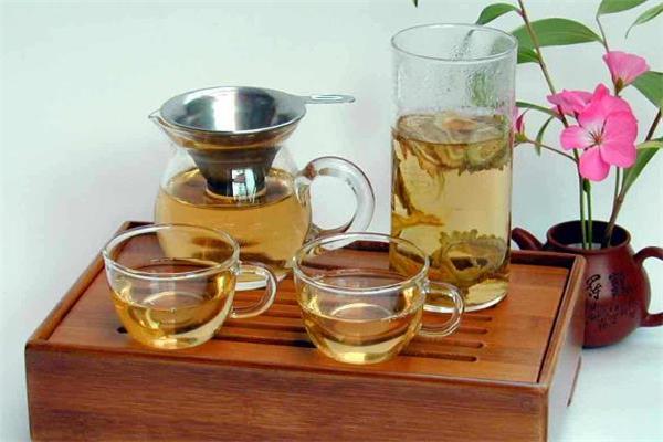 苦瓜茶适合什么人喝 苦瓜茶哪些人不能喝