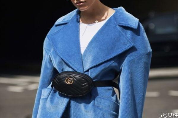 冬天适合背腰包吗 腰包如何搭配