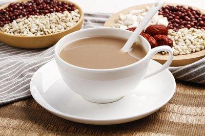 红豆薏米粉一天适合喝多少 薏米粉适合什么时间喝