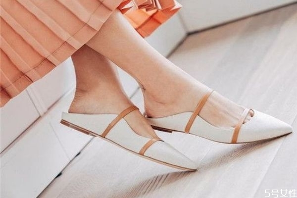 尖头鞋挤脚怎么办 尖头鞋怎么穿不痛脚