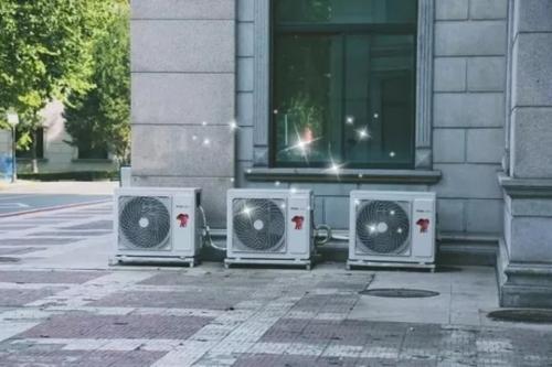 冬天空调开一晚上好吗 冬天开空调要开加湿器吗