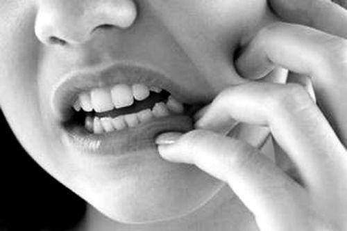 补的牙为什么吃硬东西会痛 牙齿为什么吃热的会痛