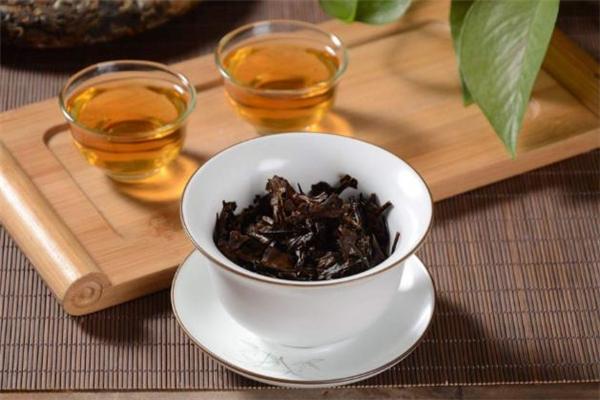 老白茶每天喝多少合适 老白茶什么人不能喝