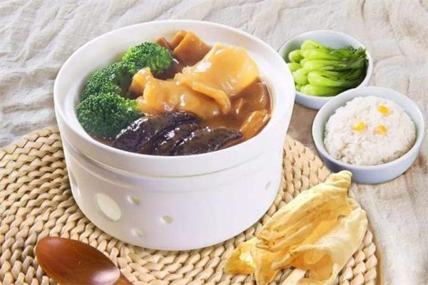 海参花胶汤的做法 海参花胶汤适合什么人喝