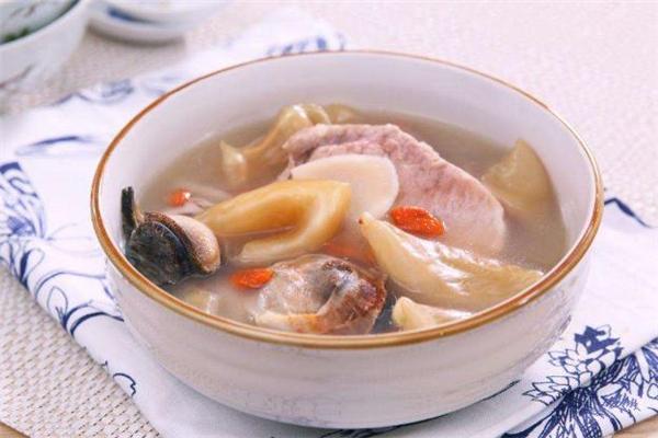 炖花胶汤怎么去腥味 花胶汤产后能喝吗