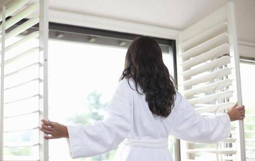 为什么要开窗通风呢 感冒要开窗通风多久呢
