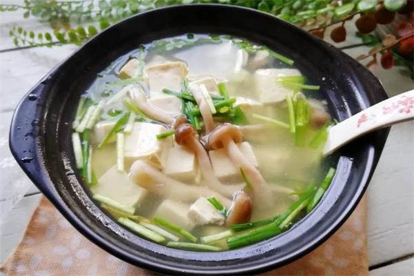 蚬子豆腐汤的做法 蚬子豆腐汤怎么做才白