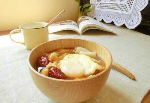 黄芪可以煮红糖鸡蛋吗 什么人适合吃黄芪红糖鸡蛋
