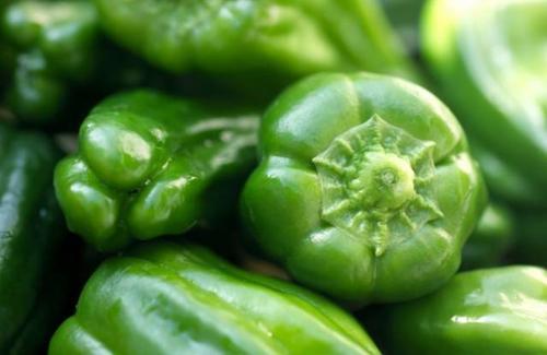 青椒怎么炒快速变软 青椒怎么处理不辣