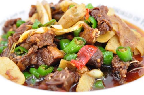 青椒鸭肉有什么营养 青椒鸭肉怎么做好吃
