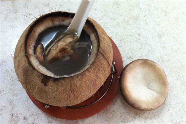 椰子炖鹌鹑的做法 椰子炖鹌鹑要炖多长时间