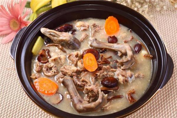 清炖鹅肉的做法 清炖鹅肉用哪种鹅好吃