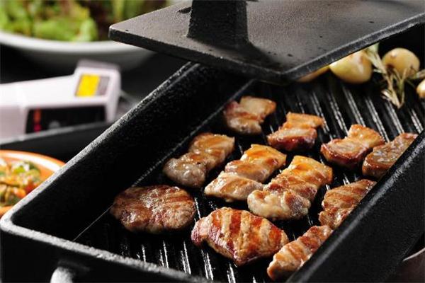 烤五花肉的做法 烤五花肉怎么腌