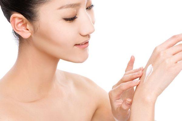 皮肤爱出油怎么调理 皮肤很油怎么办