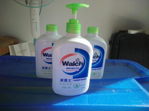 洗手液是弱酸还是弱碱性的 洗手液弱酸和弱碱哪个好