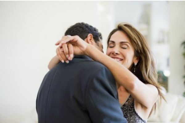 媳妇出轨后怎么挽回 老婆出轨怎么挽回她的心