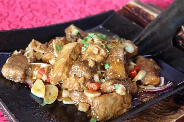 毛豆腐怎么保存 毛豆腐发霉了还能吃吗