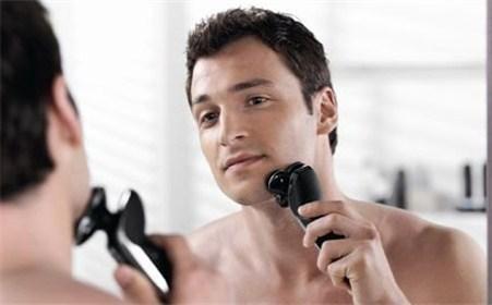 刮胡子用电动还是手动好 多大年龄后适合刮胡子