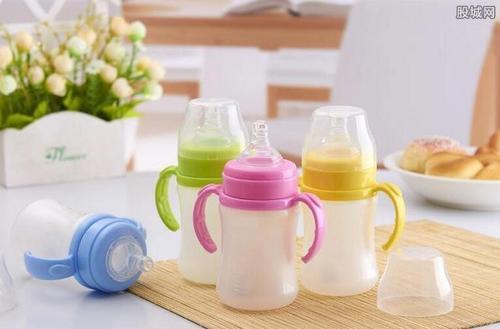 宝宝适合用什么材质的奶瓶 塑料奶瓶安全吗